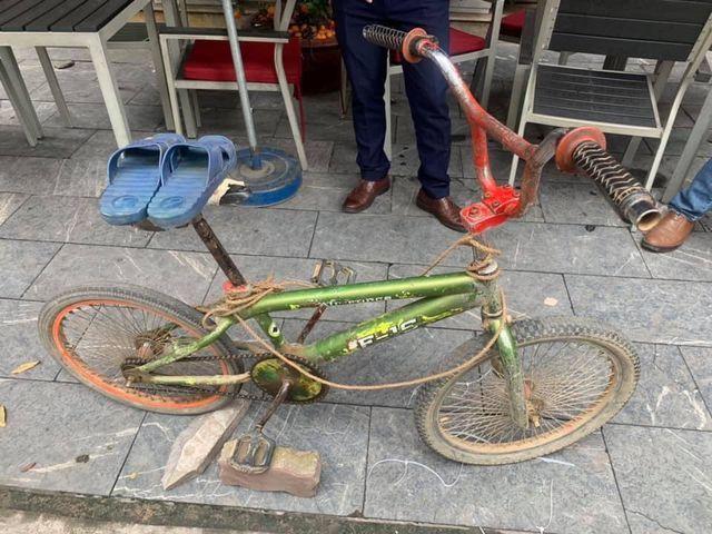 """Chiếc xe đạp của """"cậu bé Sơn La"""" được trả giá cao; Bào ngư cho giới nhà giàu rớt giá hơn nửa - 1"""