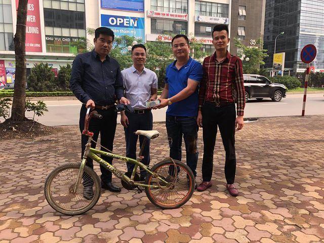 """Chiếc xe đạp của """"cậu bé Sơn La"""" được trả giá cao; Bào ngư cho giới nhà giàu rớt giá hơn nửa - 2"""