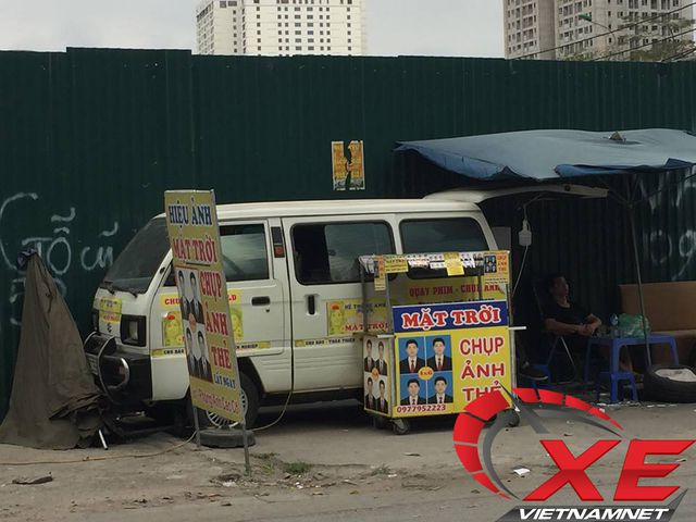 Dân Hà Nội biến ô tô cũ thành studio - 2