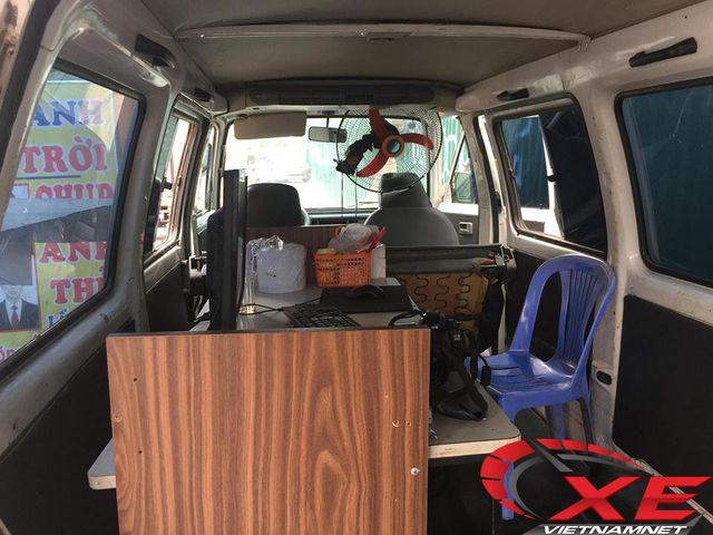 Dân Hà Nội biến ô tô cũ thành studio - 3
