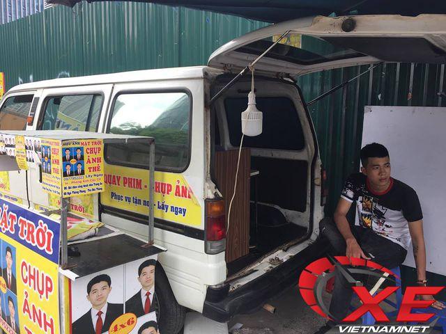 Dân Hà Nội biến ô tô cũ thành studio - 4