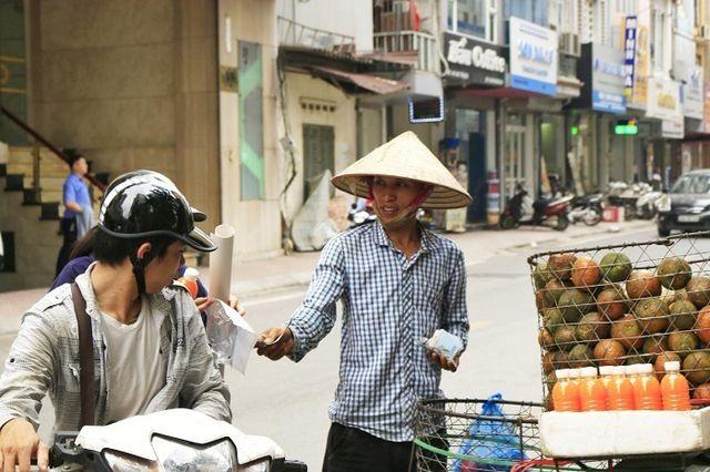 Vạn chai nước siêu rẻ ngày nắng nóng; cây hoa hồng trả 150 triệu đồng chưa gật đầu - 3