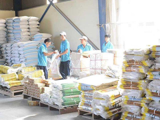 Nghịch lý: Thái Lan đòi mua gạo, doanh nghiệp Việt khó bán! - 1