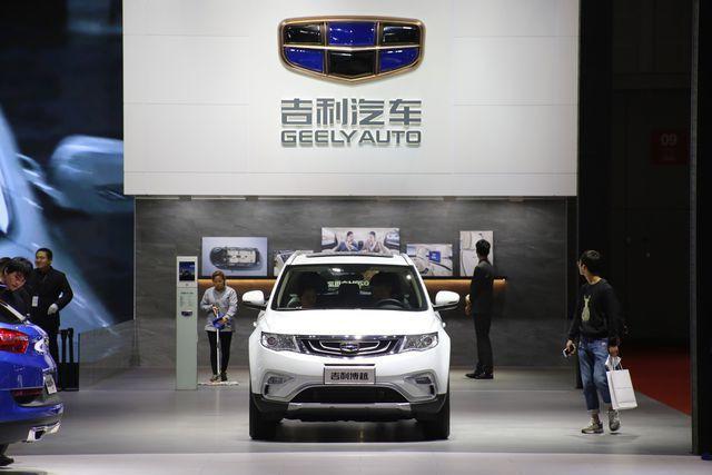 Doanh nghiệp ô tô thế giới rục rịch khởi động lại nhưng Trung Quốc vẫn