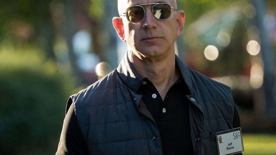Chi 1,6 triệu USD/năm để lắp kính chống đạn ở văn phòng của tỷ phú Jeff Bezos