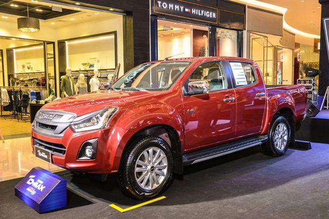 Những mẫu ô tô giảm giá khủng nhất tháng 5 - 5