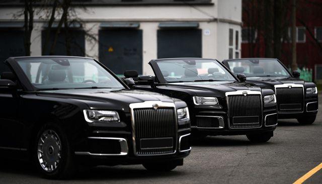 """Cận cảnh dàn limousine được mệnh danh """"Rolls-Royce mui trần"""" của nước Nga - 1"""