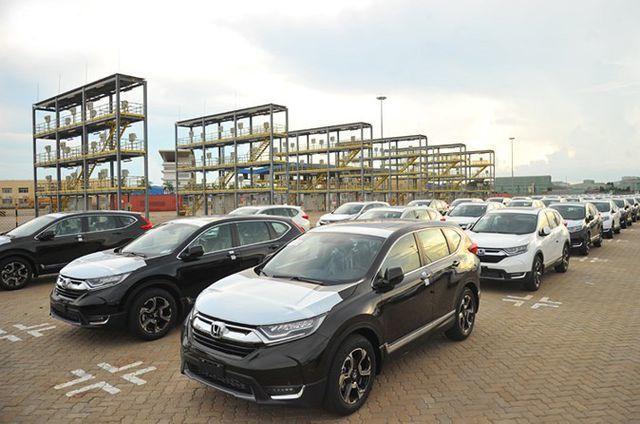 Đại gia Việt bỏ siêu xe, hàng loạt xe giảm giá khuấy động mùa mua sắm xe - 3