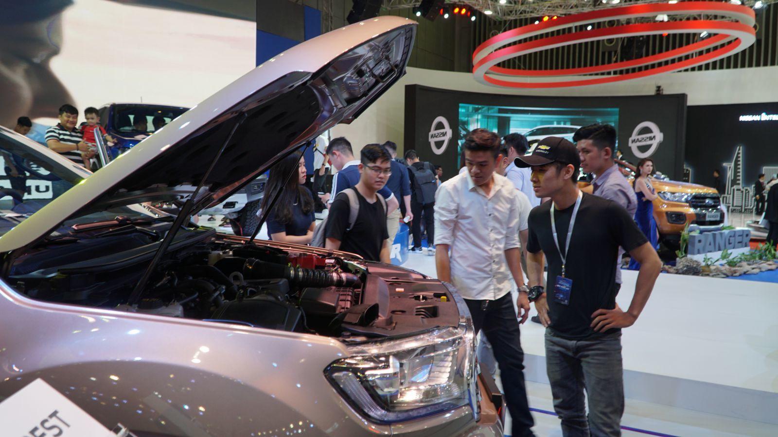 Xe giảm giá khủng 123 triệu đồng, mùa mua sắm xe hơi sắp tăng nhiệt