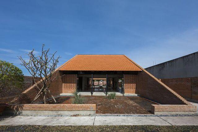 Ngôi nhà gạch ở Long An đẹp khó tin, nổi bật trên báo ngoại - 2