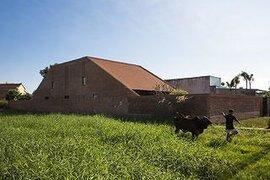 'Ngôi nhà gạch' ở Long An đẹp khó tin, nổi bật trên báo ngoại