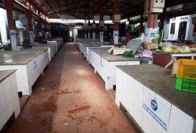 """Chính quyền thông báo cấm, hàng trăm sạp thịt lợn tại chợ """"gác thớt"""" - 7"""