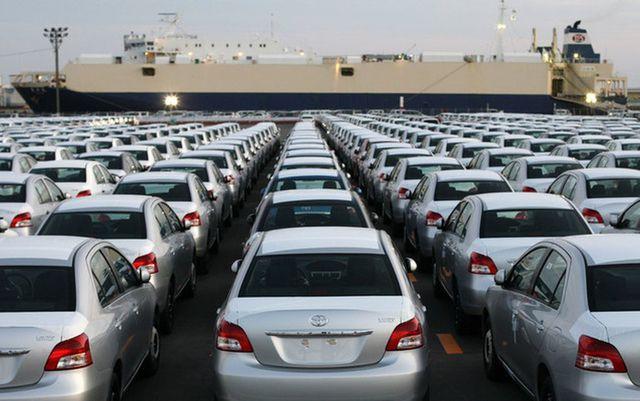 Doanh số xe trong nước suy thoái, ông lớn Toyota Việt Nam ôm hận - 2