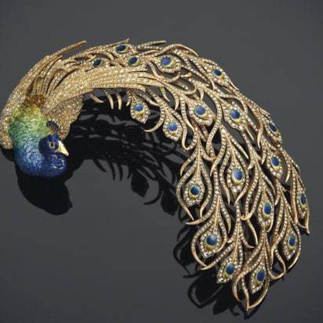 Đấu giá kho báu đầy trang sức, đá quý 500 năm tuổi trị giá 2,7 nghìn tỷ đồng - 1