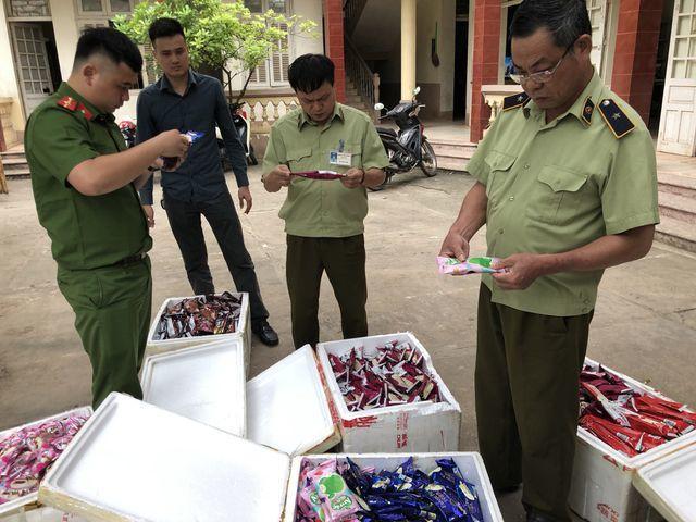Thu giữ 8 ngàn que kem nhập lậu, lộ rõ những đường dây mua bán kem Trung Quốc giá siêu rẻ - 2