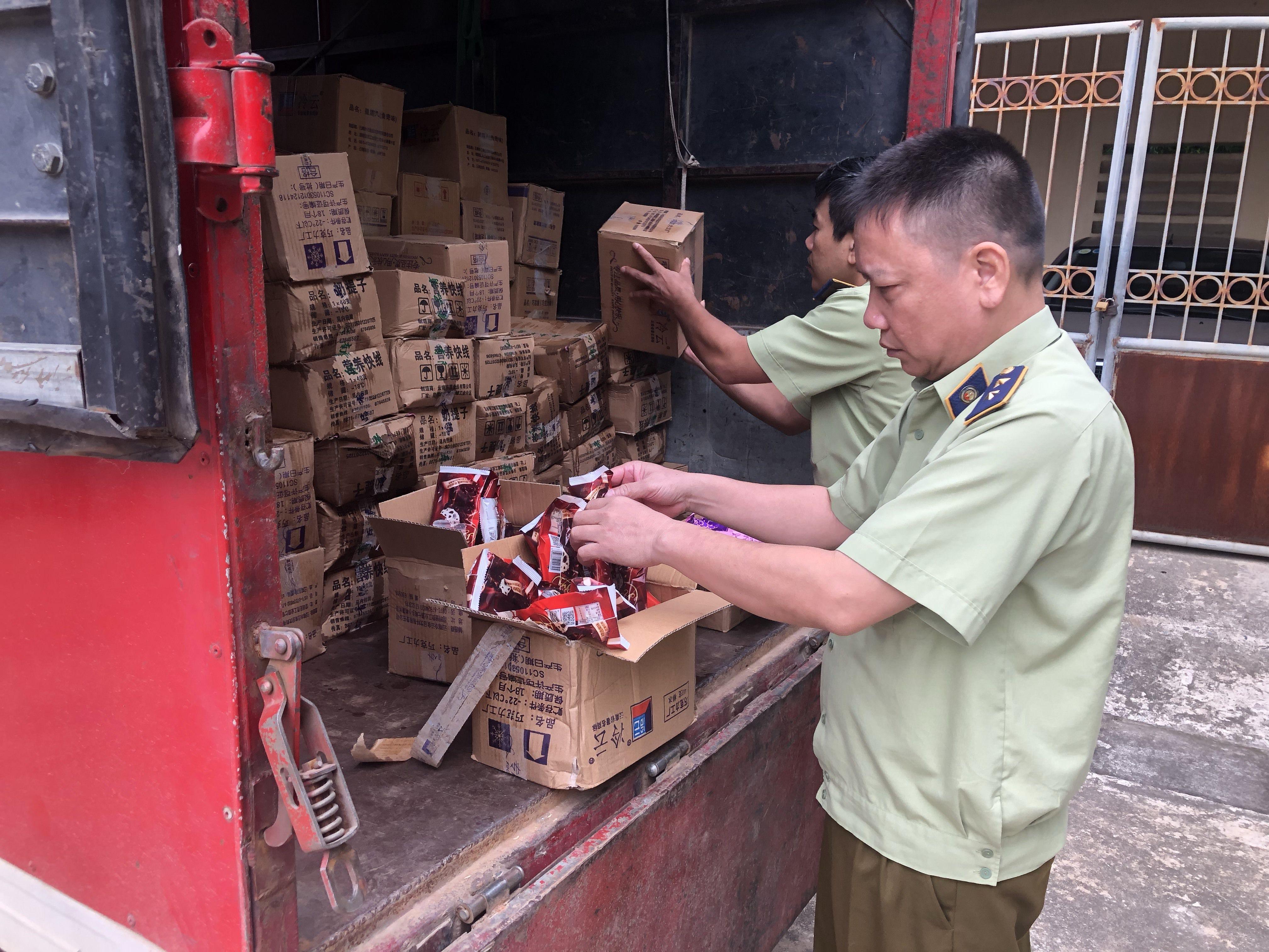 Thu giữ 8 ngàn que kem nhập lậu, lộ rõ những đường dây mua bán kem Trung Quốc giá siêu rẻ