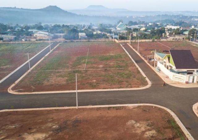 Phát hiện thêm vụ đất công bị chiếm dụng; chuyên gia đề xuất cấm chia lô bán nền - 2