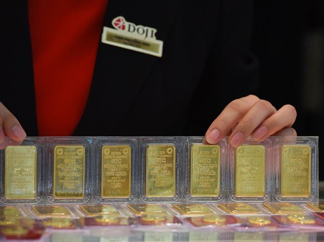 Vàng vọt lên 39,4 triệu đồng/lượng, cao nhất đỉnh giá 6 năm - 1