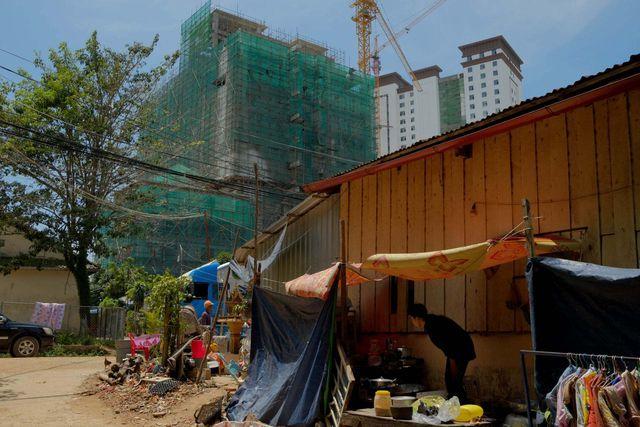 Trung Quốc đổ xô đầu tư vào thành phố đang yên bình, dân Campuchia kẻ khóc, người cười - 2