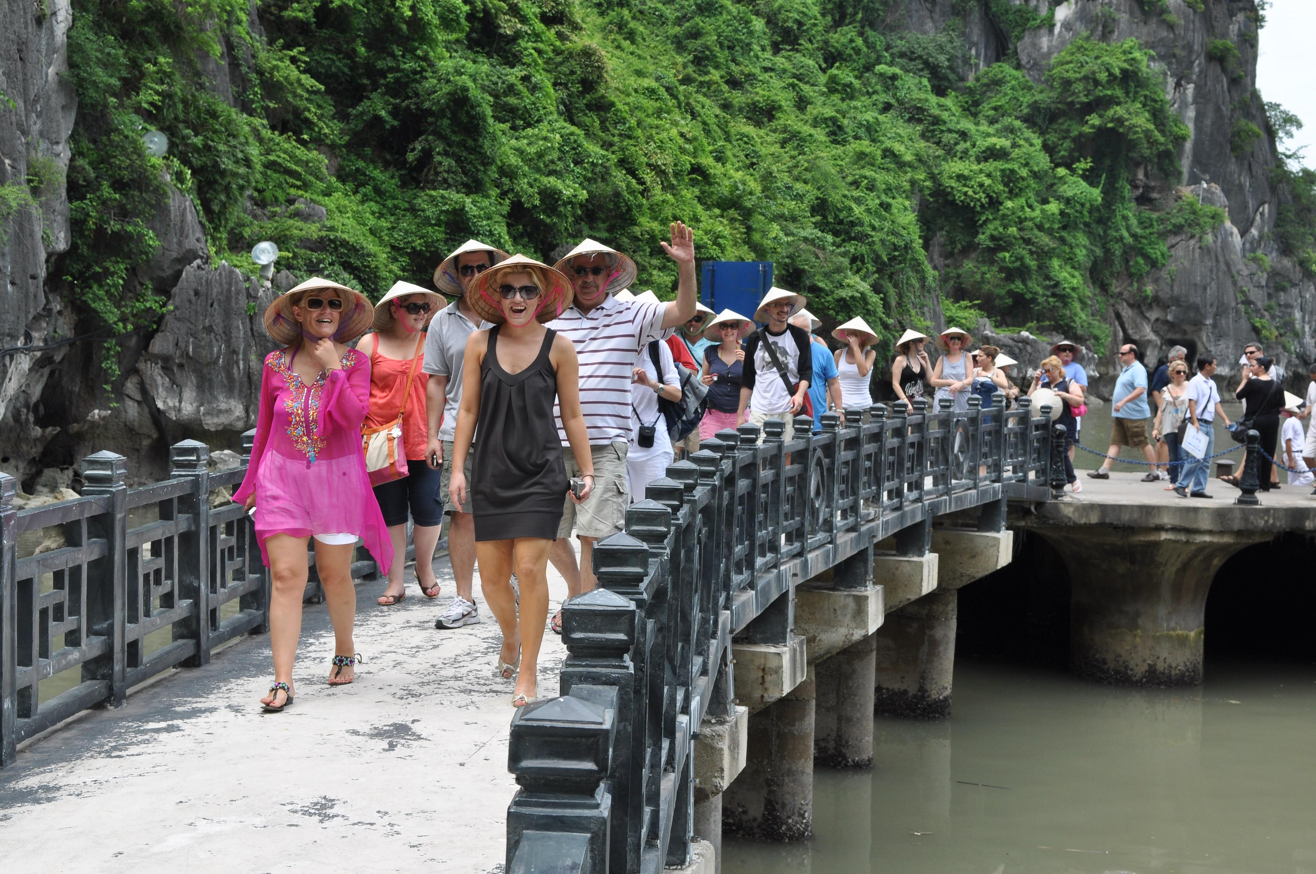 Khách quốc tế đến Việt Nam đang có xu hướng giảm dần