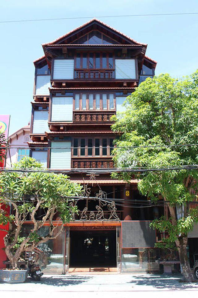 """Khám phá ngôi nhà gỗ 5 tầng """"độc nhất vô nhị"""" của lão gia ở Hà Tĩnh - 1"""