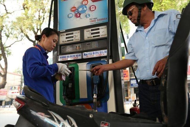 Kinh doanh xăng dầu giả ngày càng táo tợn - 1