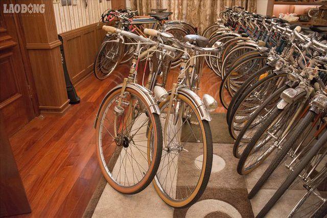 """Chiếc xe đạp cổ giá bằng căn nhà; """"Thần dược"""" ngọc kê hàng thải giá cũng bạc triệu"""