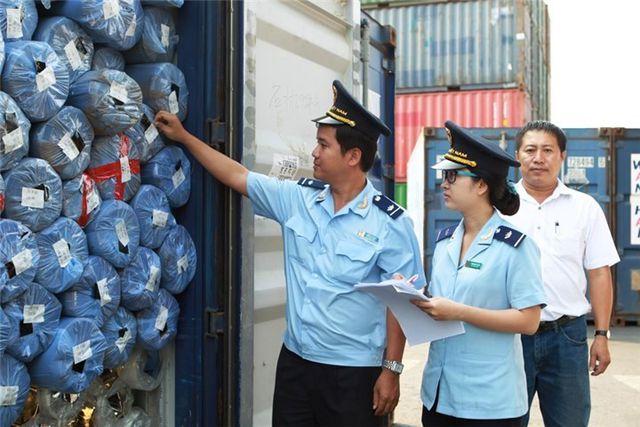 """Hải quan """"tuyên chiến"""" với hàng nhập khẩu gắn mác Made in Vietnam - 1"""