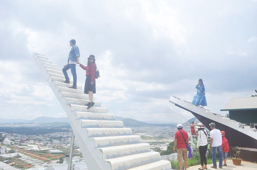Thực hư thông tin buộc tháo dỡ 'Nấc thang thiên đường' ở Đà Lạt