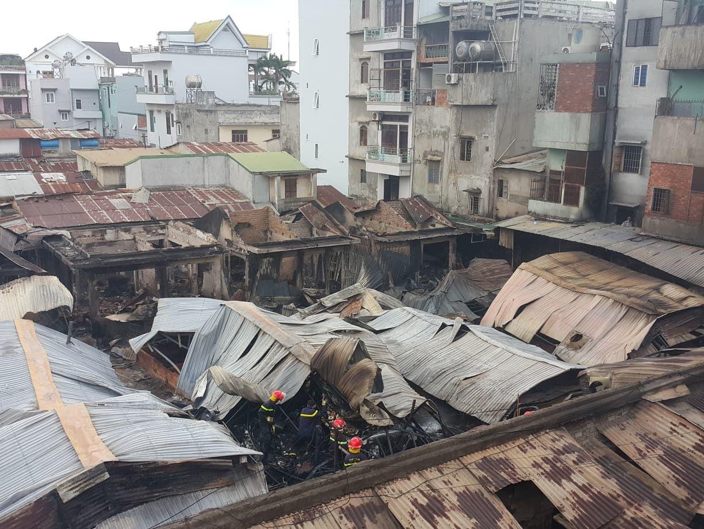 Vụ cháy chợ thiêu rụi 45 ki ốt: Trên 10 tỷ đồng ra tro