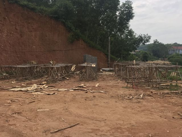 Hệ luỵ xưởng bóc mọc như nấm sau mưa: Chặn cầu tranh nhau từng xe gỗ - 4