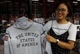Từ nhà máy may Hà Nội từng cung cấp quần áo cho quân đội Việt Nam giờ sản xuất đồng phục cho đội tuyển Olympic Hoa Kỳ