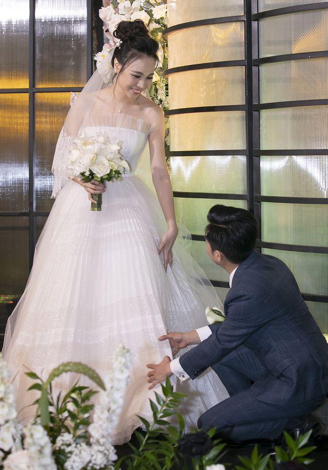 Choáng với dàn siêu xe đến dự đám cưới Cường Đôla và Đàm Thu Trang - 14