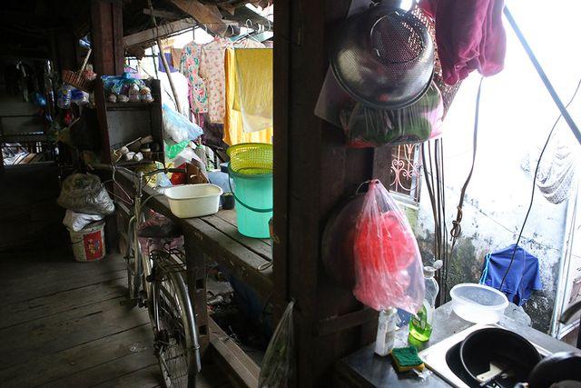 Cuộc sống như từ thế kỷ trước trong khu nhà gỗ ở Hà Nội - 3