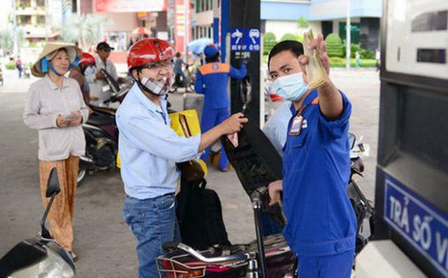 Giá xăng quay đầu giảm nhẹ kể từ chiều nay - 1