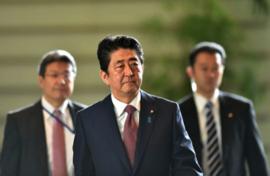 Nội các Nhật Bản vừa chấp thuận loại Hàn Quốc ra khỏi danh sách ưu đãi thương mại