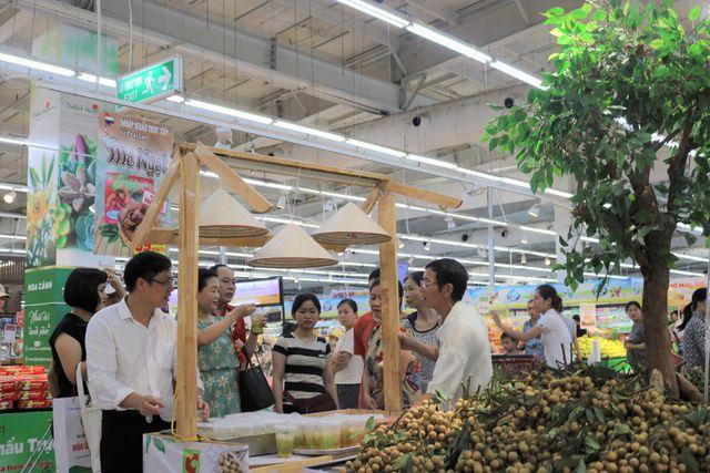 140 nghìn đồng/kg nhãn cổ đường phèn, dân Hà Nội vẫn xếp hàng tranh mua - 5