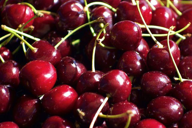 Cherry Mỹ siêu rẻ nhập ồ ạt vào Việt Nam, giá chỉ 209.000 đồng/kg - 1