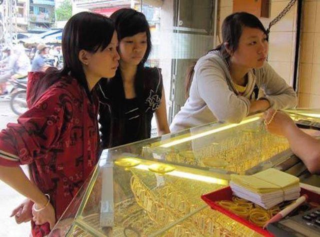 """Giá vàng tăng khi chiến tranh thương mại Mỹ – Trung tồi tệ: Chỉ là """"đòn gió""""? - 2"""