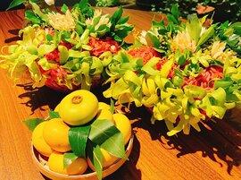 Mẹt hoa thị giá tiền triệu, dân Hà Thành xếp hàng mua cúng rằm tháng 7