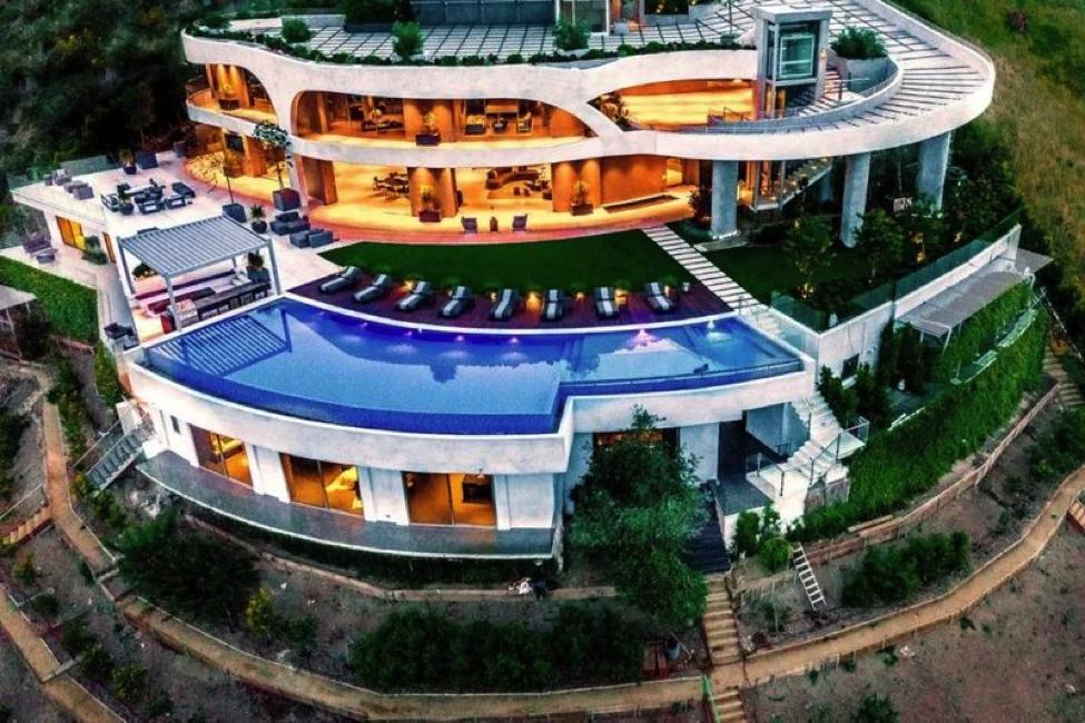 Ngắm kiến trúc siêu độc đáo của biệt thự trị giá 42 triệu đô ở Los Angeles