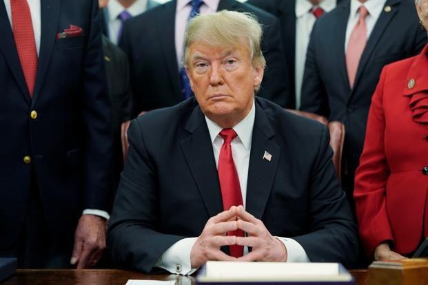 """Ông Trump nói đòn thuế quan """"giúp Trung Quốc nhiều hơn Mỹ"""""""