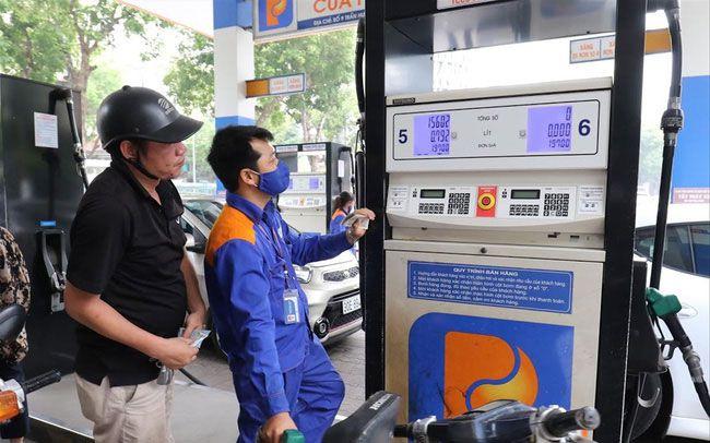 Quỹ bình ổn giá xăng dầu: Sau bao lâu tiếp tục nóng chuyện bỏ hay giữ
