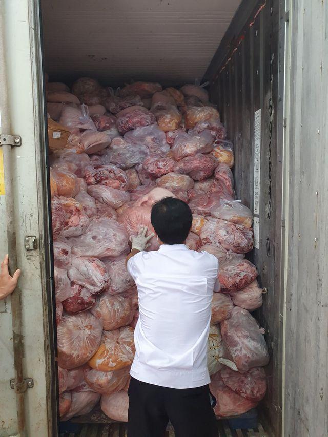 40 tấn thịt đông lạnh hôi thối suýt bị làm giò chả nhiễm dịch tả lợn châu Phi - 2