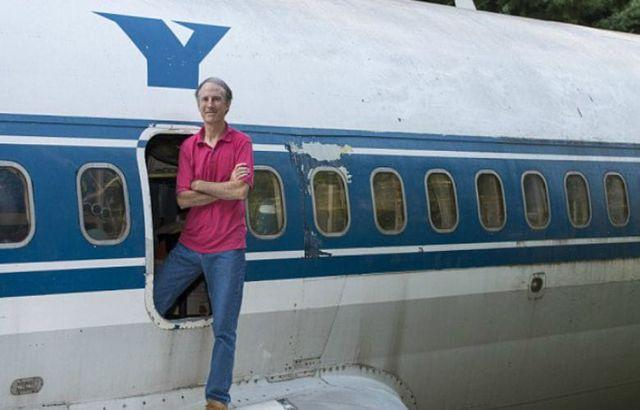 Người đàn ông đã biến một chiếc máy bay cũ thành một căn nhà độc nhất vô nhị để ở - 2