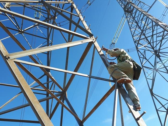 Hàng loạt dự án chậm tiến độ, nguy cơ thiếu điện cận kề