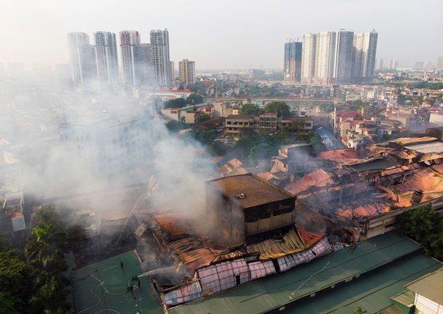 Bộ Tài nguyên Môi trường khuyến cáo người dân sau vụ cháy nhà máy Rạng Đông - 1