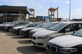 Tăng ưu đãi ô tô nội, xe Việt lắp ráp giá rẻ đấu xe Thái nhập khẩu