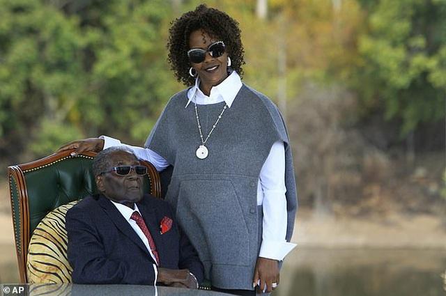 Dân chết đói, gia đình cựu Tổng thống Zimbabwe vẫn sống trong giàu sang tột đỉnh - 3