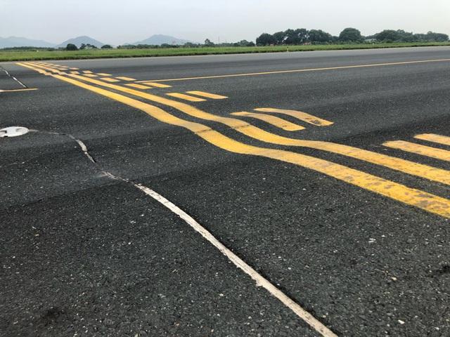"""Bộ Giao thông xin sửa chữa """"khẩn cấp"""" đường băng sân bay Nội Bài, Tân Sơn Nhất - 1"""